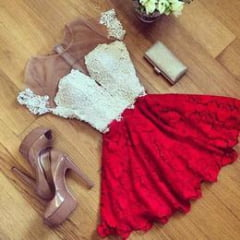 Vestido rendado  red carped